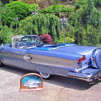 1958 Pontiac Parisienne Convertible.