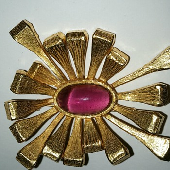 Bold Brania Brooch - Costume Jewelry