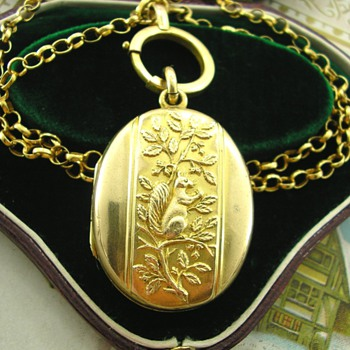 Sweet Victorian Pinchbeck Locket with Squirrel and Nut