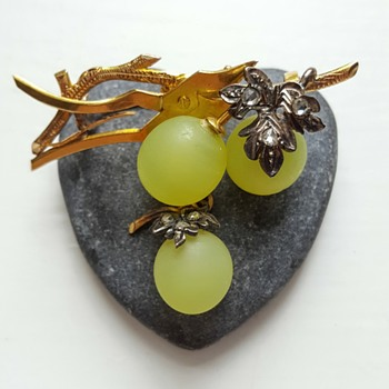 Antique vine grape brooch Fonseque et Olive. - Fine Jewelry