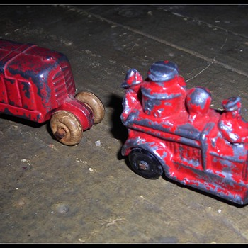 Pre-WWII die casr fire engibe abd tractor... - Model Cars
