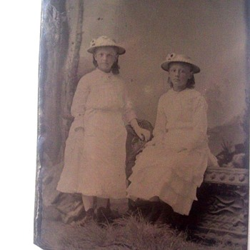 TIN TYPE TWINS IN MATCHING DRESSES & HATS 1870s