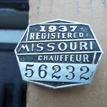 1937 CHAUFFEUR PENDANT - Advertising