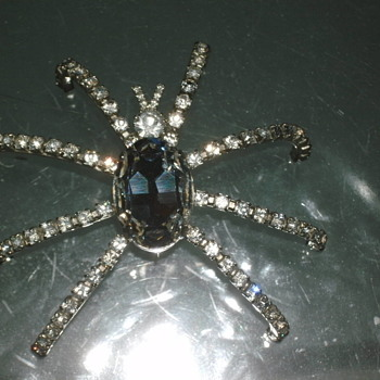 spider brooche