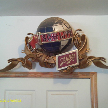 unusual Schlitz lighted, motion beer sign