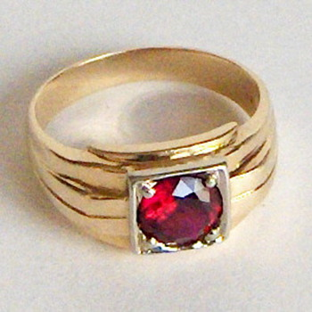 Art Deco Solid 14K Gold Ruby Ring Sold as Garnet....