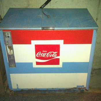 antique cooler - Coca-Cola