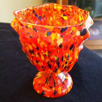 "RUCKL ""Coral Pierrot"" or KRALIK ""End Of The Day""  Knuckle Spatter VASE?"