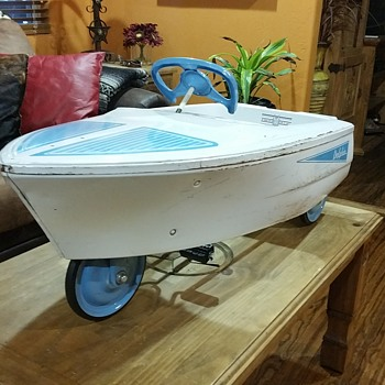 ALL ORIGINAL MURRAY DOLPHIN PEDAL BOAT CAR - Toys