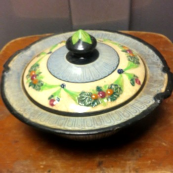 pretty little covered dish - Art Pottery