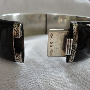 Black enamel and silver bracelet by Georg A Scheid, Austria c. 1890 - Fine Jewelry