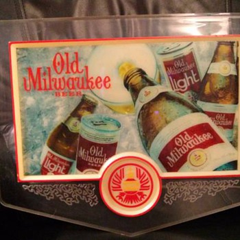 VINTAGE OLD MILWAUKEE BEER LIGHT & MIRROR - Signs