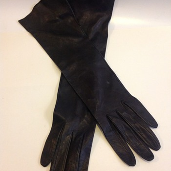 Pair of Ladies Black Leather Gloves  - Accessories