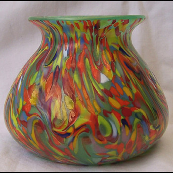 Mystery Czech vase - Art Glass