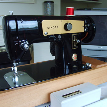 Singer 224 - Sewing