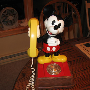 1976 Western Electric Mickey Mouse Phone - Telephones