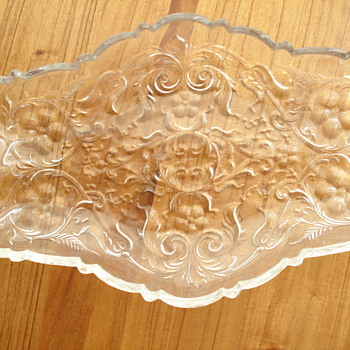 Glass plate - Glassware