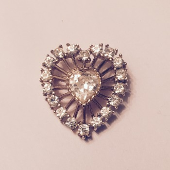 Crown Trifari Rhinestone Heart Brooch - Need help dating