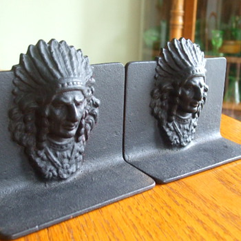 Looking for Info. on Native American themed BOOKENDS