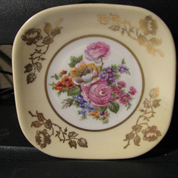 Small Limoges dish -- France - China and Dinnerware