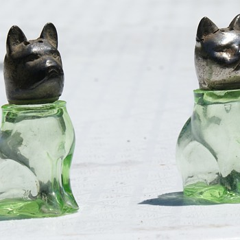 Dog and Cat salt and Pepper - Glassware
