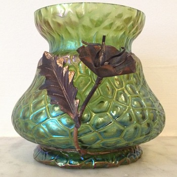 "Kralik iridescent ""loose"" martelé vase with gilt copper wire mount"