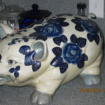 Pig in DC Market - Art Pottery