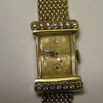 1947, 14k gold case, 14 diamonds - Wristwatches