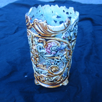 ceramic majolica piece oriental ?? - Art Pottery