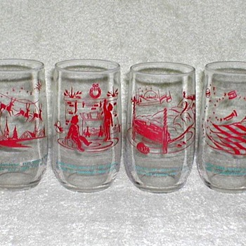 Christmas Glasses Set