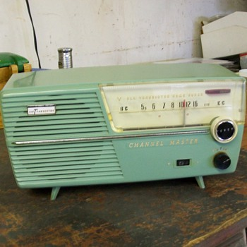 Battery radio - Radios