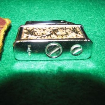 engraved rogers lighter  - Tobacciana