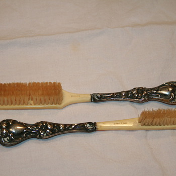 Mustache (?) brushes - Accessories