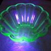 Vintage Tufglas Baking Mold in Uranium / Vaseline Glass