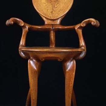 Antoni Gaudi, Calvet Chair - Furniture