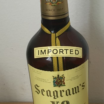 1958 Mint Seagrams VO Canadian Whisky 4/5 Quart Bottle - Bottles