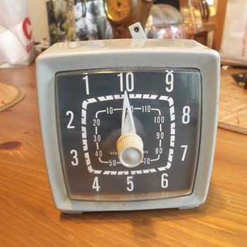 Vintage Unknown General Electric Clock