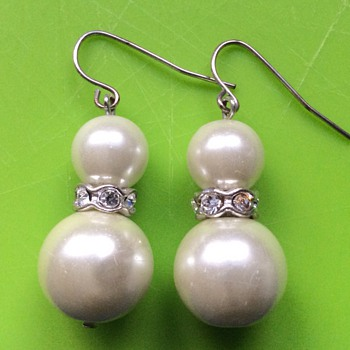Vintage pearls and diamonds earrings