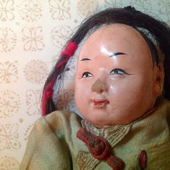Old doll I cannot identify