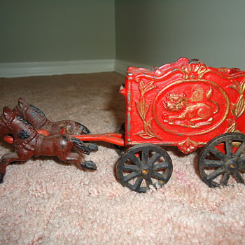 Cast Iron Stagecoach - Model Cars