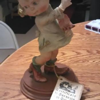 Capademonte porcelain figurine