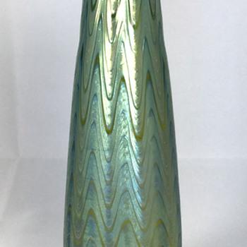 """Loetz Creta """"Phänomen Genre 6893"""" Vase. 7.75"""" tall. Circa 1898"""
