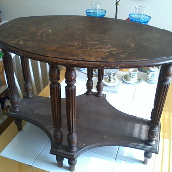8 leg table - Furniture