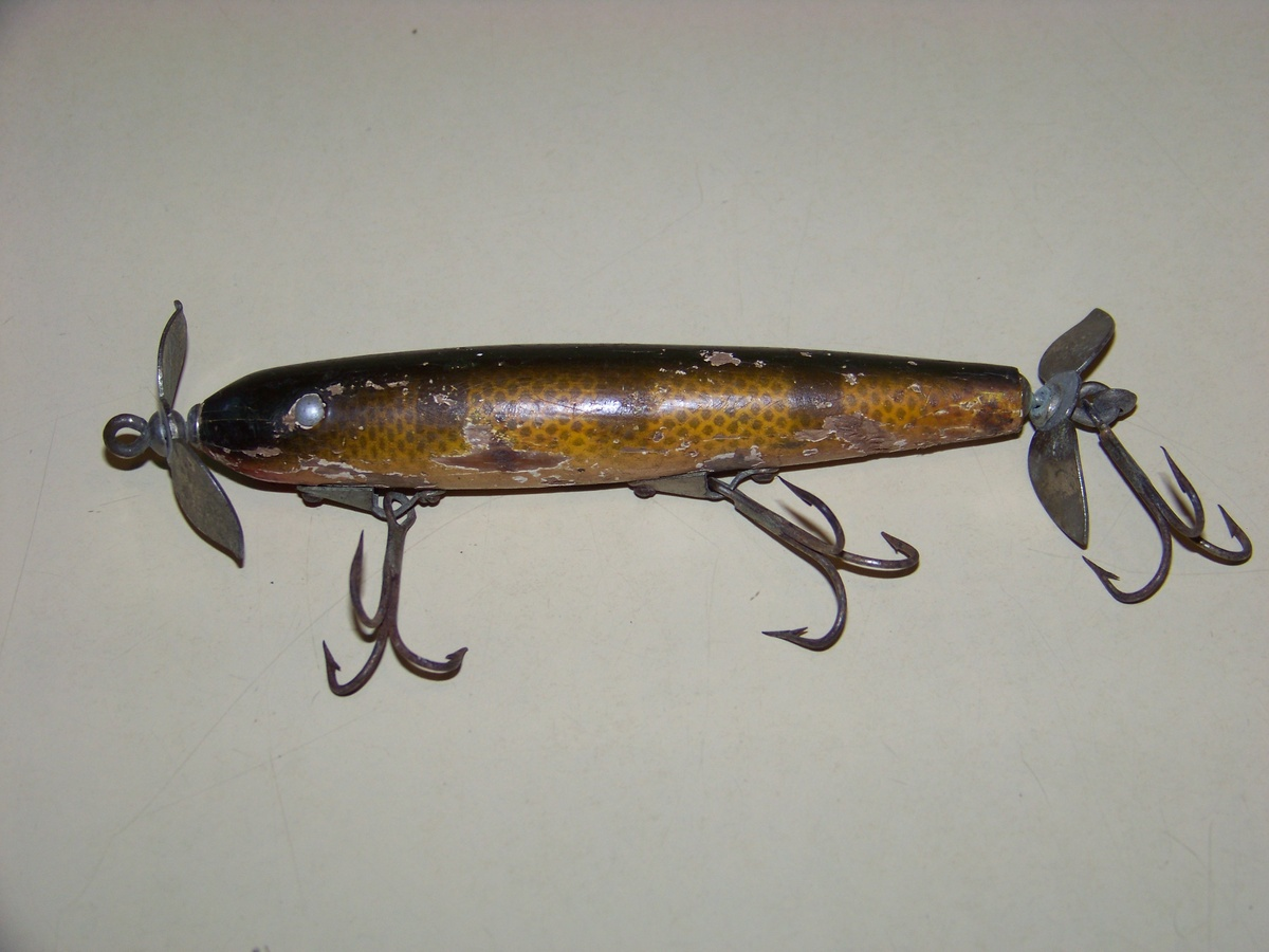 Vintage fishing lure collectors weekly for Vintage fishing tackle