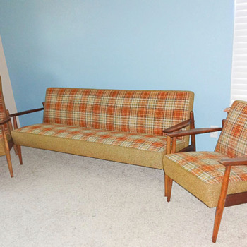 Mid Century Modern complete living room set with original uphosltery! Couch & 2 chairs!