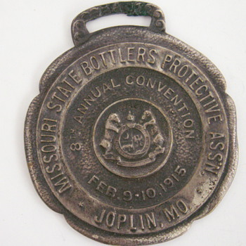 Missouri State Bottlers Protective Association 1915 fob - Pocket Watches