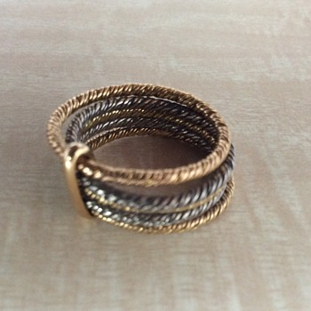 Contemporary ring with 3 colors gold - Fine Jewelry