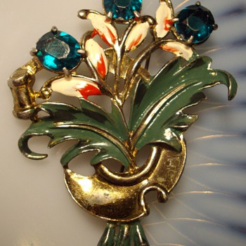 Early floral figural enamel rhinestone brooch. - Costume Jewelry