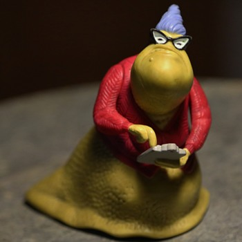 Roz - A Sophisticated Lady Slug - Figurines