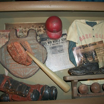 Interesting baseball diorama